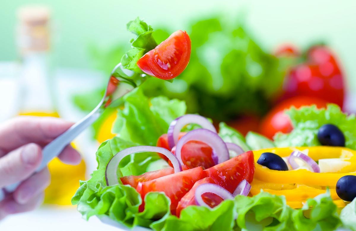 Imagem postagem O papel da alimentação no combate aos problemas no estômago